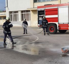 "Учебна евакуация и демонстрация на пожарна техника се проведе в ОУ ""Двайсти април"""
