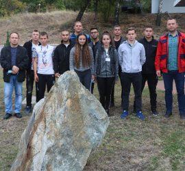 """11 ученици с дуална форма на обучение дебютираха в """"Асарел-Медет"""". Единадесеторката включва девет младежи и две млади дами"""