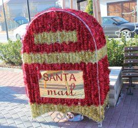 Децата на Панагюрище пускат писма до Дядо Коледа в специална кутия