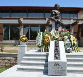 """С пълно единодушие Общинският съвет в Панагюрище взе решение за именуване на площад """"Проф. д-р Лъчезар Цоцорков"""""""