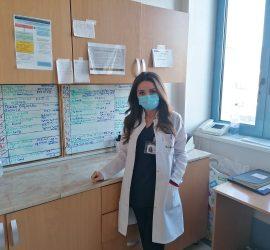 """Студентката по медицина Радостина Гугова е доброволка в KОВИД-сектора на """"Уни Хоспитал"""""""