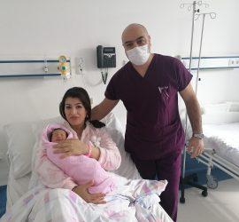 """Съветничка в Посолството на Кралство Мароко в България  роди в """"Уни Хоспитал"""""""