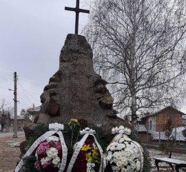 С поклонение и поднасяне на цветя бяха отбелязани 143 години от боевете край село Оборище и освобождението на Панагюрския край