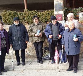 Говорещи термометри дари на Съюза на слепите в Панагюрище местният Лайънс клуб