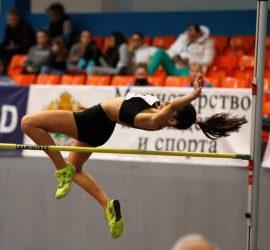 """Състезателката на КЛА""""Оборище"""" Теодора Тропчева със сребърен медал в дисциплината скок на височина на Националния шампионат"""