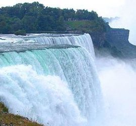 На 3 март Ниагарският водопад ще изгрее в цветовете на българското знаме