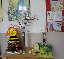 Над 200 малки творци  участваха в станалия традиционен конкурс, посветен на пчеларството. Вижте кои са отличените