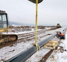 Премиерът Бойко Борисов огледа напредъка по изграждането на довеждащия газопровод до Панагюрище и Пирдоп. До момента са трасирани 12,5 км.