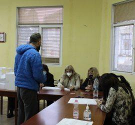 Определят съставите на Секционните избирателни комисии в община Панагюрище на 8 октомври