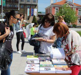 """Над 100 жители и гости на Панагюрище се включиха в инициативата """"24 май за мен е…"""""""