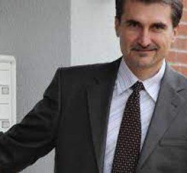 Литературният изследовател, журналист и критик Пламен Тотевще гостува в Панагюрище