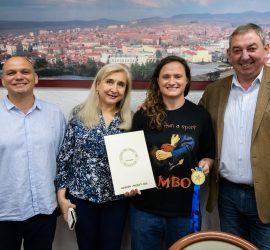 """Златното момиче на българското самбо Мария Оряшкова с признание от """"Асарел-Медет"""""""