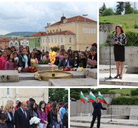 Панагюрище отдаде почит на Христо Ботев и загиналите за свободата на България