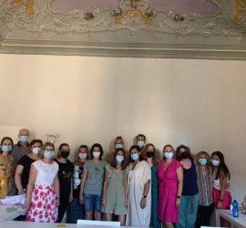 """Учители от ОУ """"20 април"""" на обучение във Флоренция по проект на програма """"Еразъм +"""", насочено към работа с деца със СОП"""