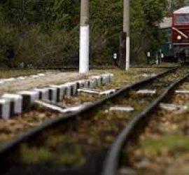 Ремонтират железопътния прелез между Стрелча и Панагюрище. Движението на превозните средства през прелеза се извършва по едната пътна лента
