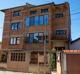 къща или етажи от къща