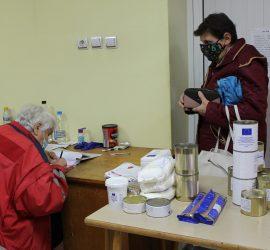 До 23 октомври БЧК-Панагюрище продължава раздаването на хранителни пакети на нуждаещи се. 425 жители на гр. Панагюрище са бенефициенти по програмата