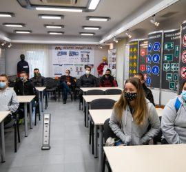 """Нови 10 ученици от ПГИТМТ прекрачиха прага на """"Асарел-Медет"""" по програмата за дуално обучение"""